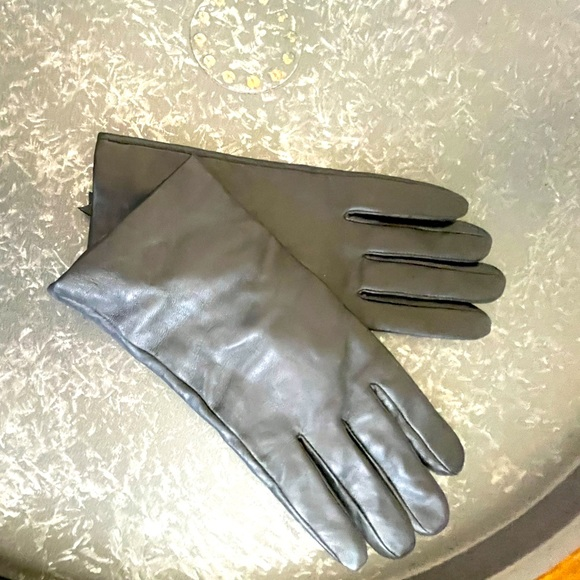 Coach leather gloves
